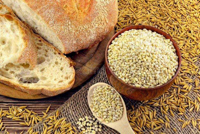 Bröd och korn royaltyfria foton