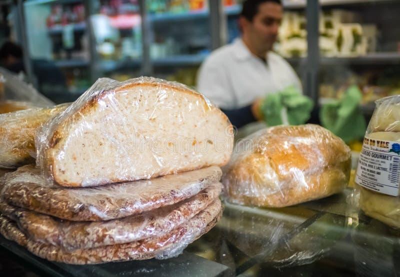 Bröd på försäljning arkivbilder