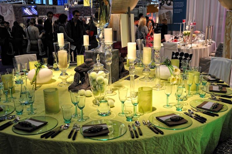 bröllop 2012 för trau för garneringdichfrankfurt tabell royaltyfria bilder