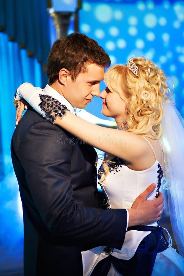 bröllop för bruddansbrudgum arkivfoto