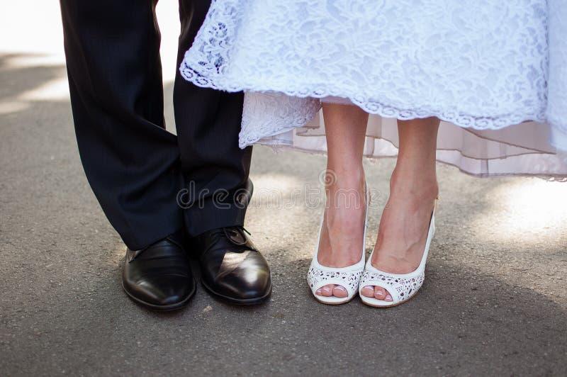 bröllop för brudgum för brudceremonikyrka royaltyfri foto