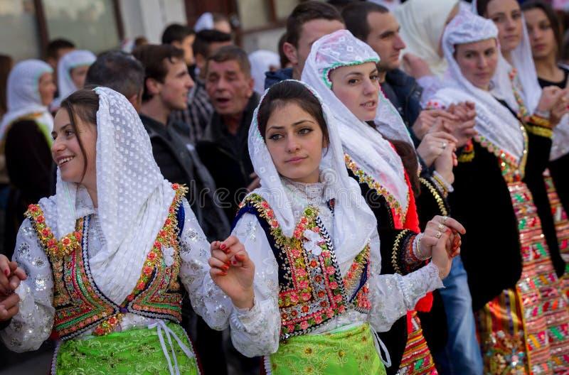 BRÖLLOP FÖR BULGARIEN RIBNOVO POMAK royaltyfri fotografi