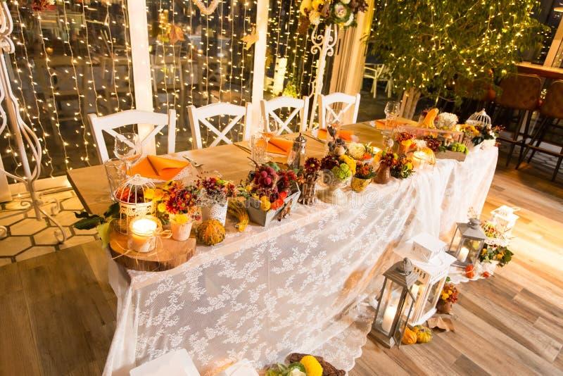 bröllop för fokusexponeringsglastabell fotografering för bildbyråer