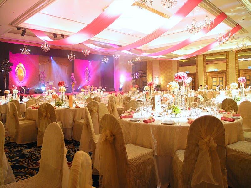 bröllop för garneringinställningstabell royaltyfria bilder