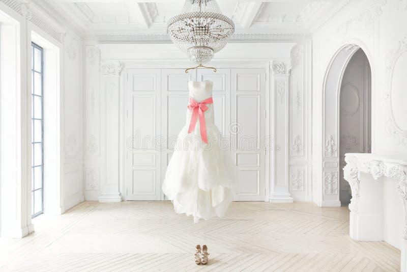 bröllop för klänningfragmentbeställning arkivbilder