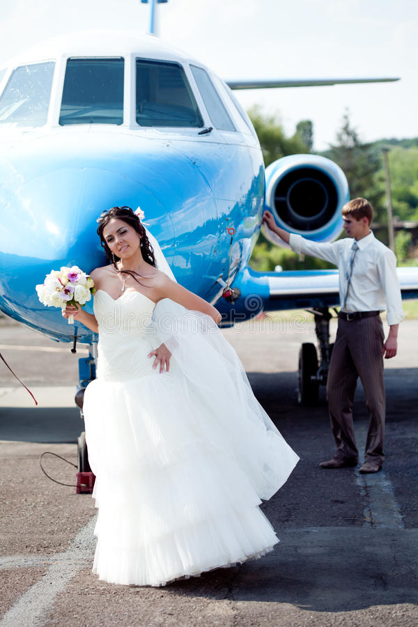 bröllop för parflugabröllopsresa arkivfoton