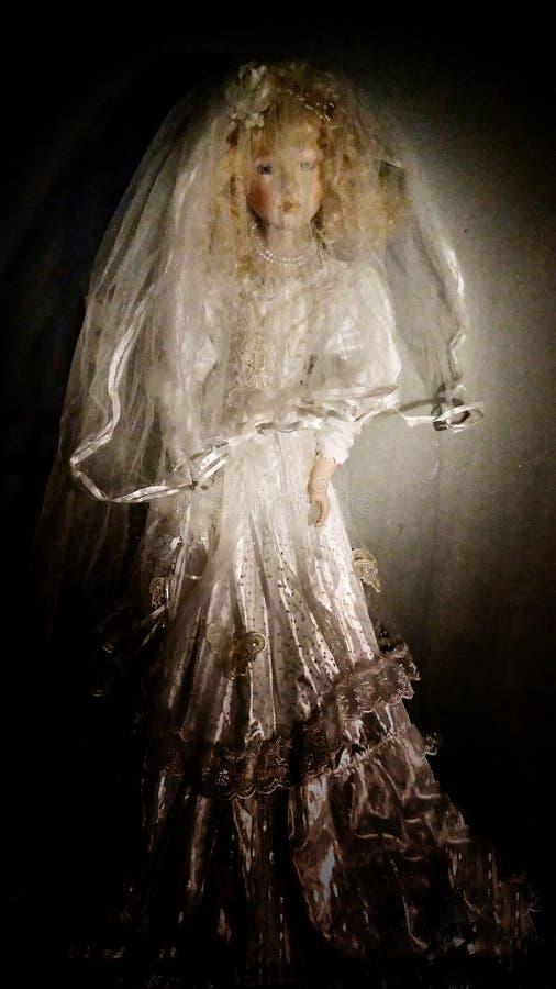 bröllop för tappning för klädpardag lyckligt royaltyfria bilder