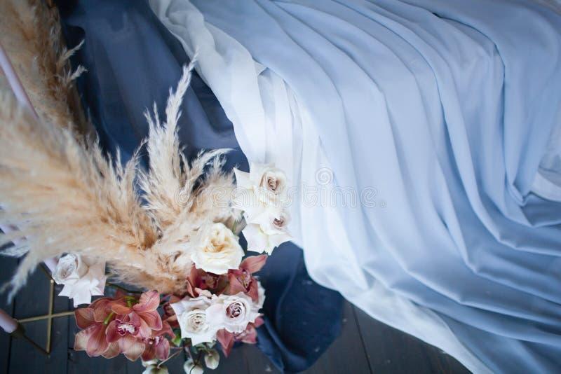 Bröllopdekor av rosor arkivfoton