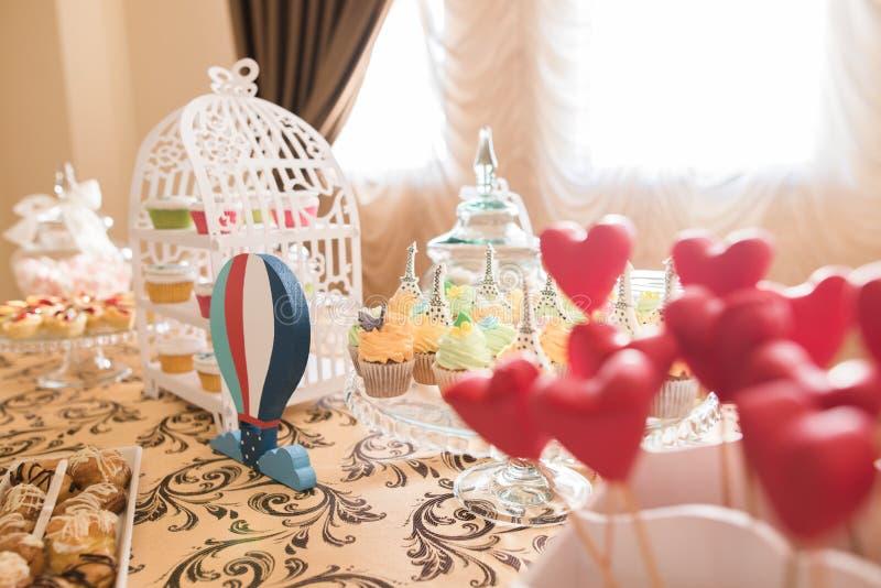 Bröllopgodisstången bor fotografering för bildbyråer