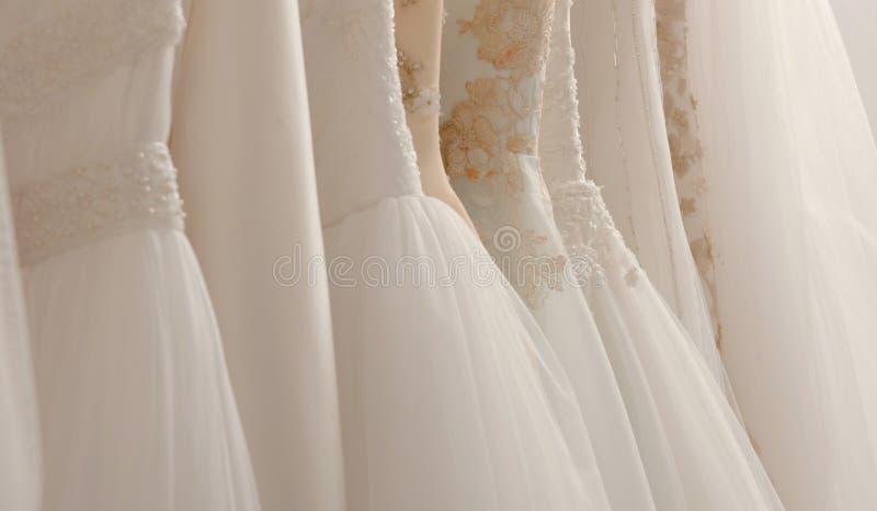 Bröllopsklänningar fotografering för bildbyråer