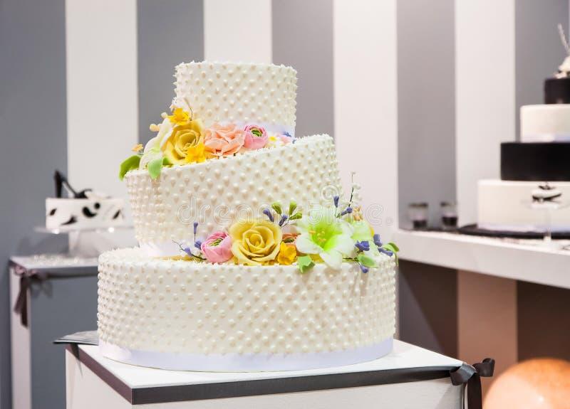 Bröllopstårta arkivbild