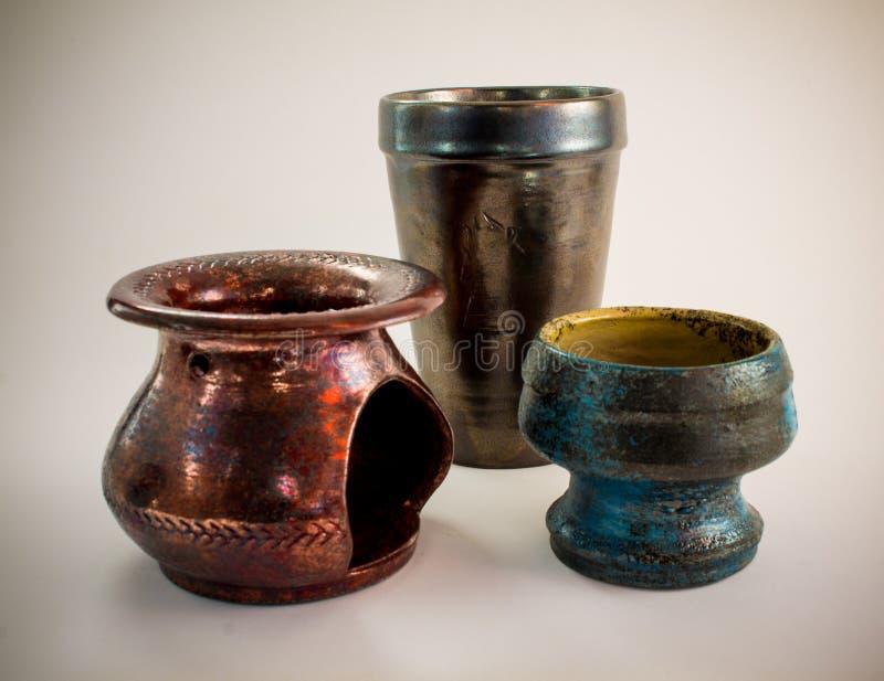 Brûleur et tasses à mazout en céramique antiques fabriqués à la main image stock