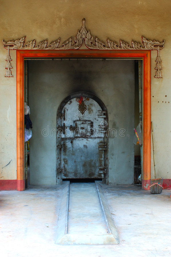 Brûloir bouddhiste. La Thaïlande. image stock