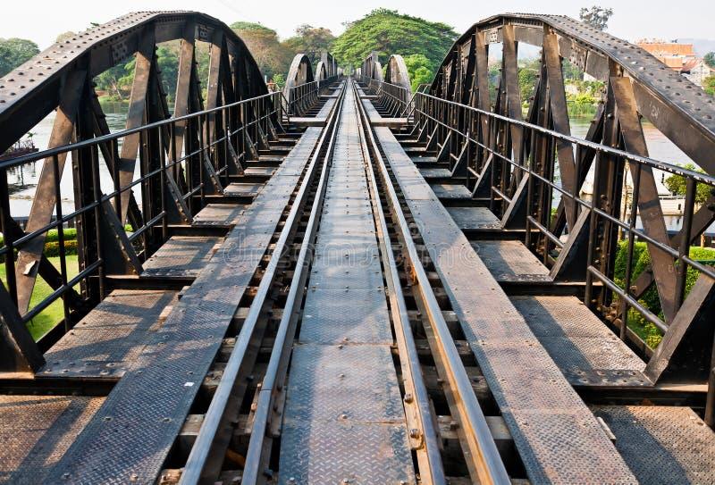 Brücke über dem Fluss Kwai stockfotos
