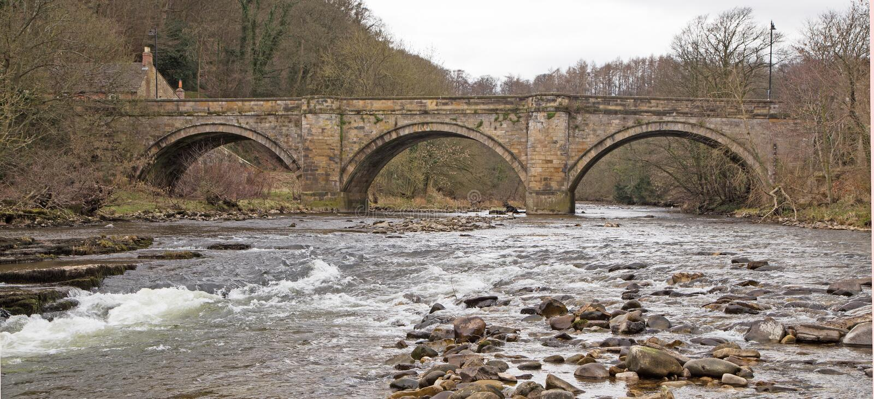 Brücke über dem Fluss Swale, Richmond Yorkshire stockfoto