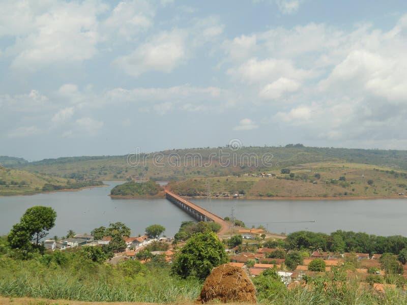 Brücke über dem See lizenzfreie stockfotos