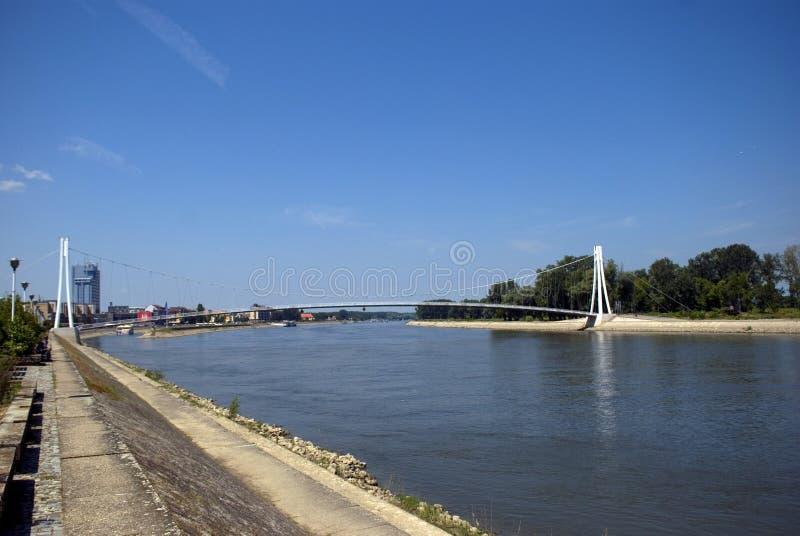 Brücke über Fluss die Drau, Osijek, Kroatien lizenzfreie stockbilder