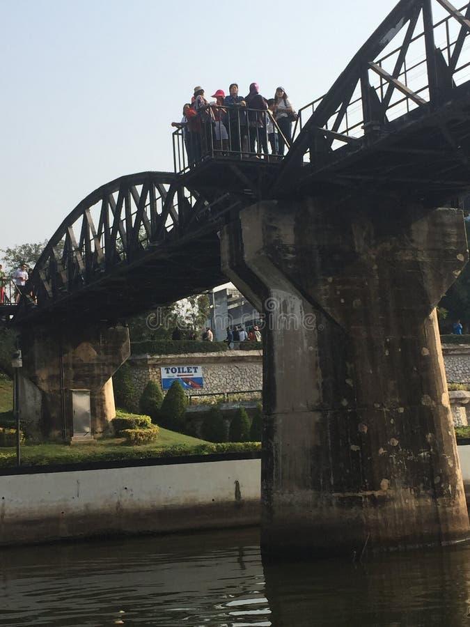 Brücke über Fluss Kwai, Thailand lizenzfreies stockfoto