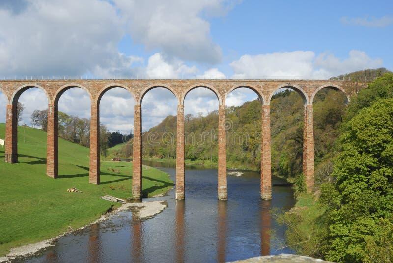 Brücke über Fluss Tweed in Richtung zu Gattonside lizenzfreie stockfotos