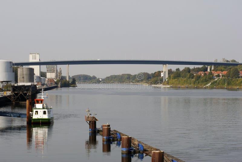 Brücke über Kiel-Kanal stockbild