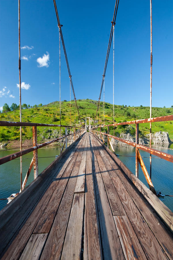 Brücke auf Fluss Uvac lizenzfreies stockbild
