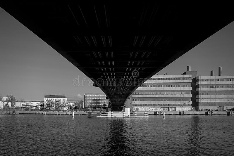 Brücke in Berlin stockbild