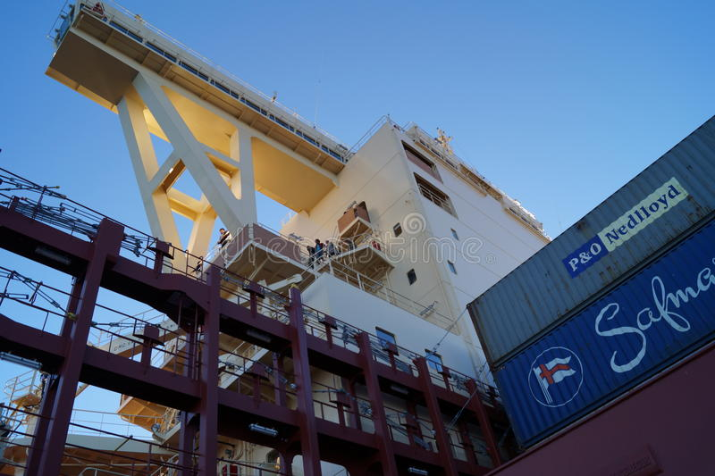 Brücke am Containerschiff stockfoto