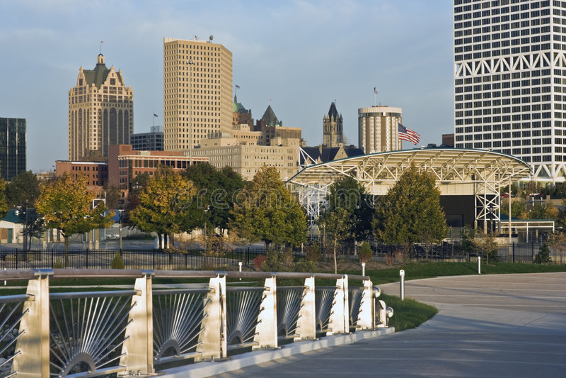Brücke nach Milwaukee lizenzfreies stockfoto