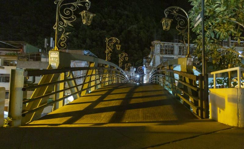 Brücke nachts, Aguas Calientes-Stadt, Machu Picchu, Peru lizenzfreies stockfoto