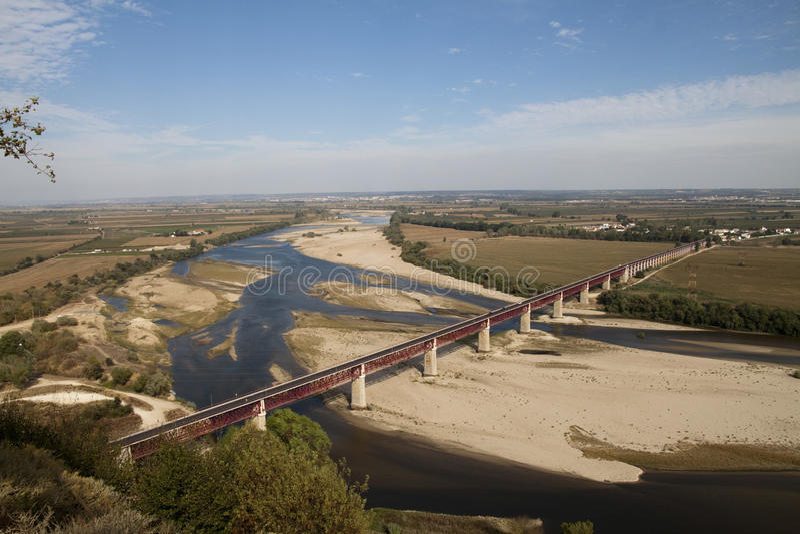 Brücke nahe Santarem stockfotografie