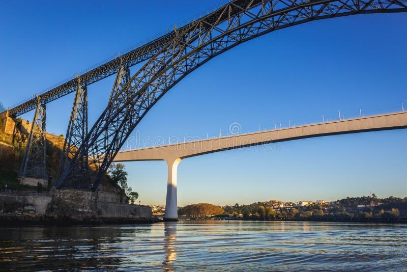 Brücke in Porto stockfotografie