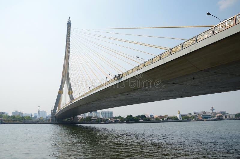 Brücke Rama VIII über dem Chao Praya River in Bangkok, Thailand. stockfotografie