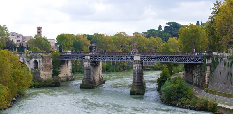 Brücke in Rom stockfotografie