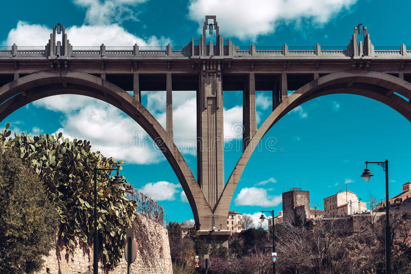 Brücke Sans Jordi (St. George's) in Alcoy-Stadt spanien lizenzfreies stockbild
