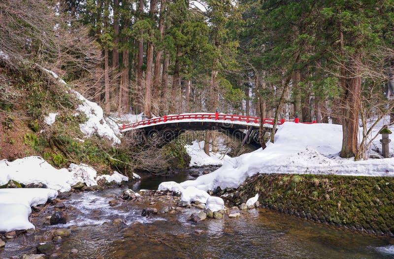 Brücke Snowy Japan stockbild