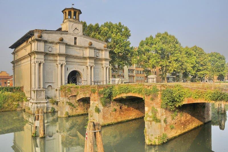 Brücke und Gatter stockbilder