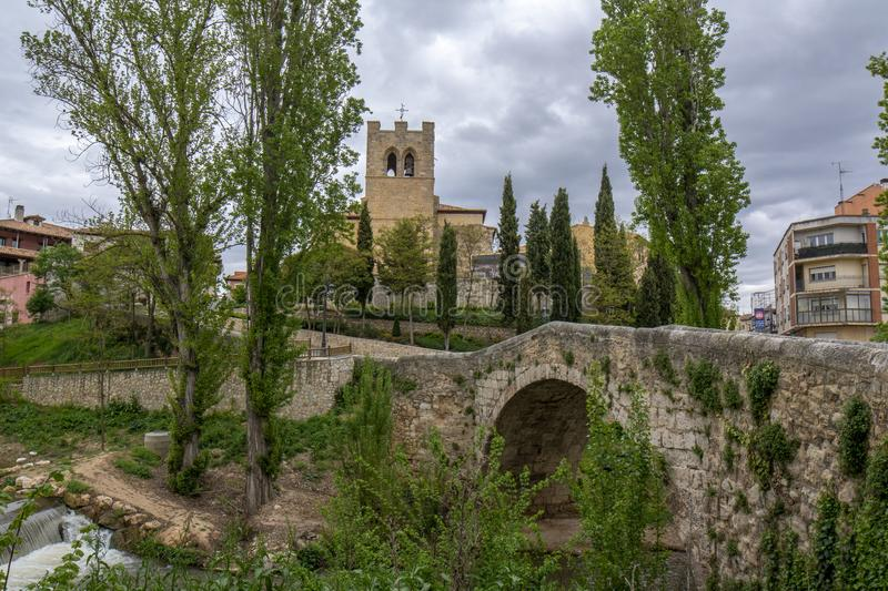 Brücke und San Juan Church in Aranda de Duero, Burgos Provinz, stockfotos