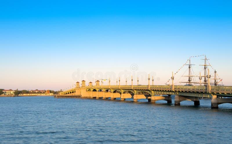 Brücke von Löwe-Str. Augustine stockfotografie