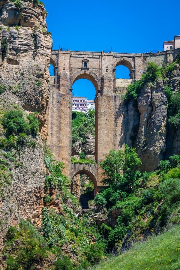 Brücke von Ronda, eins der berühmtesten weißen Dörfer von Màlaga stockfotos