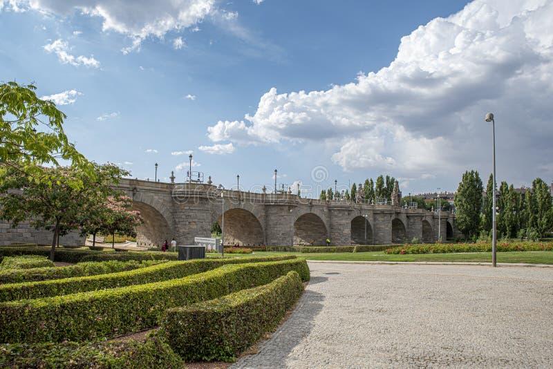 Brücke von Toledo in Madrid, Spanien lizenzfreie stockfotos