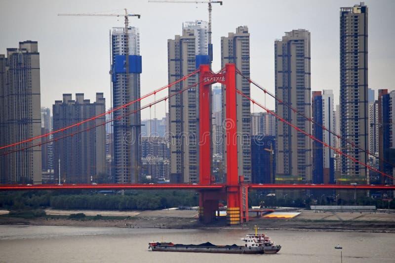 Brücke Yingwuzhou der Jangtse, Wuhan, China lizenzfreie stockbilder