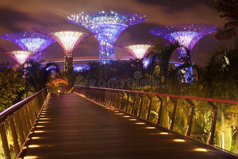 Brücke zu den Gärten durch die Bucht stockfotos
