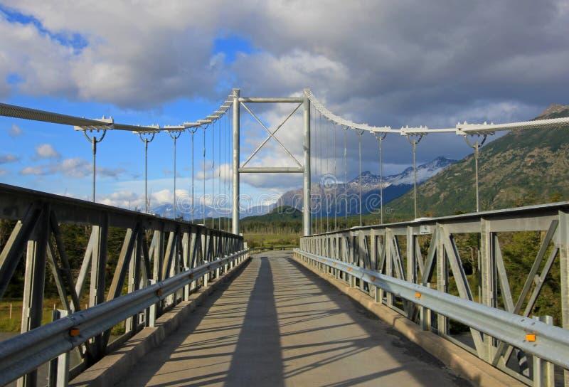 Brücke zu Landhaus O Higgins, Carretera Austral, Chile stockfotografie