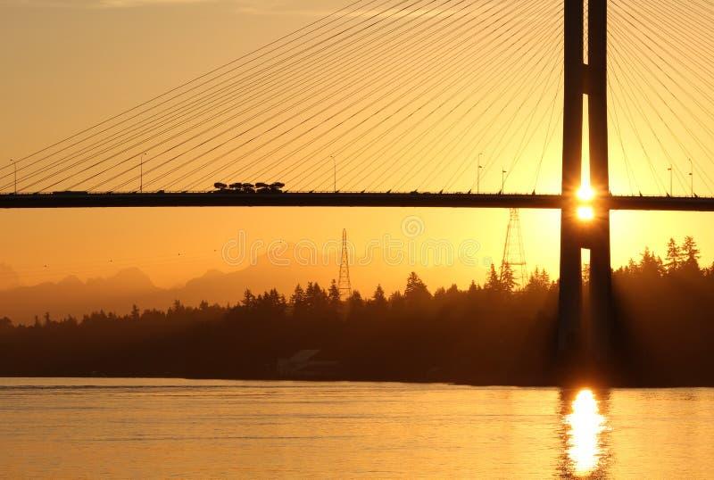 Brücken-Sonnenaufgang Vancouver Alex-Fraser lizenzfreies stockfoto