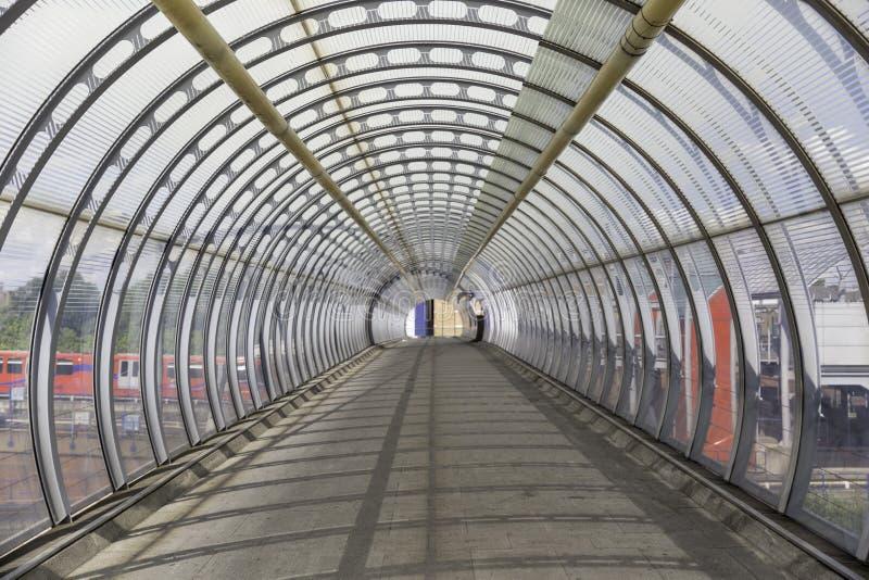 Brücken-Tunnel lizenzfreie stockfotos
