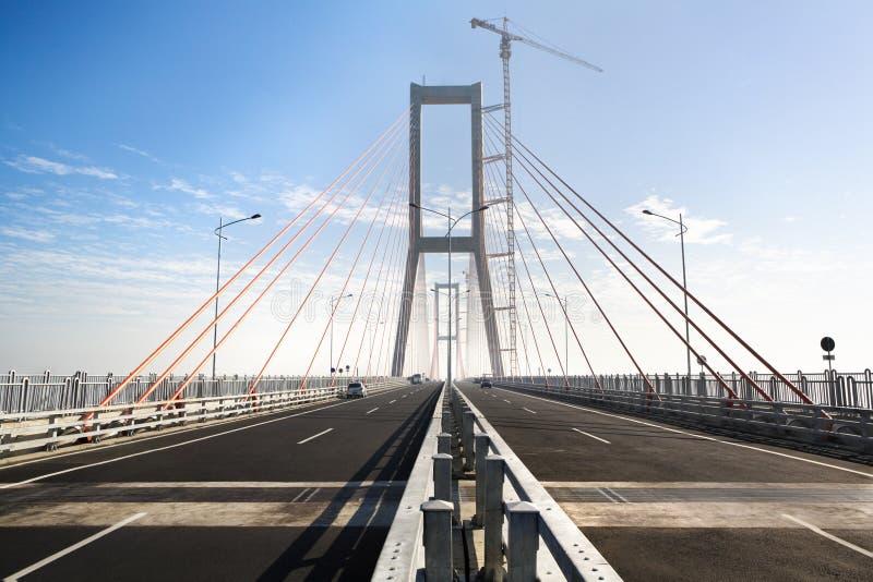 Brückenaufbaustufe morgens stockbilder