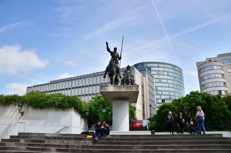 Brüssel, Belgien - 12. Mai 2015: Leute bei Don Quixote u. bei Sancho lizenzfreie stockfotos