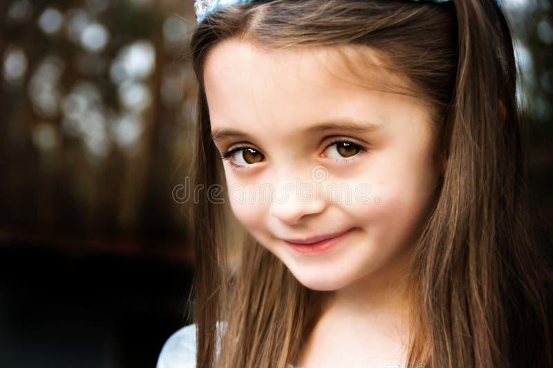 brąz przyglądał się dziewczyny zdjęcia royalty free