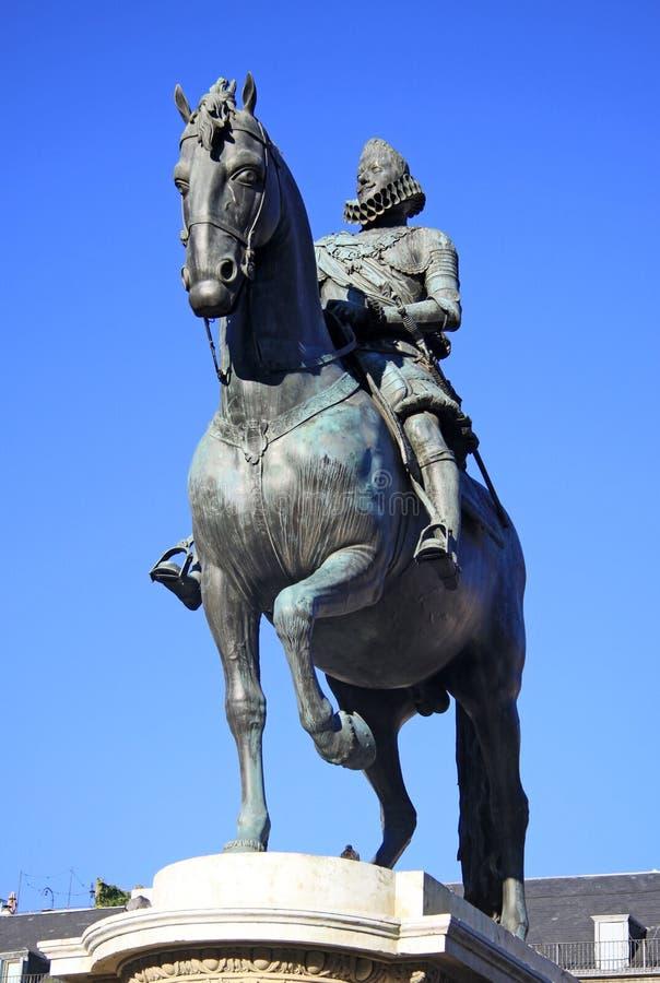 Brązowa equestrian statua królewiątko Philip III od 1616 przy placu Mayor w Madryt, Hiszpania zdjęcia stock