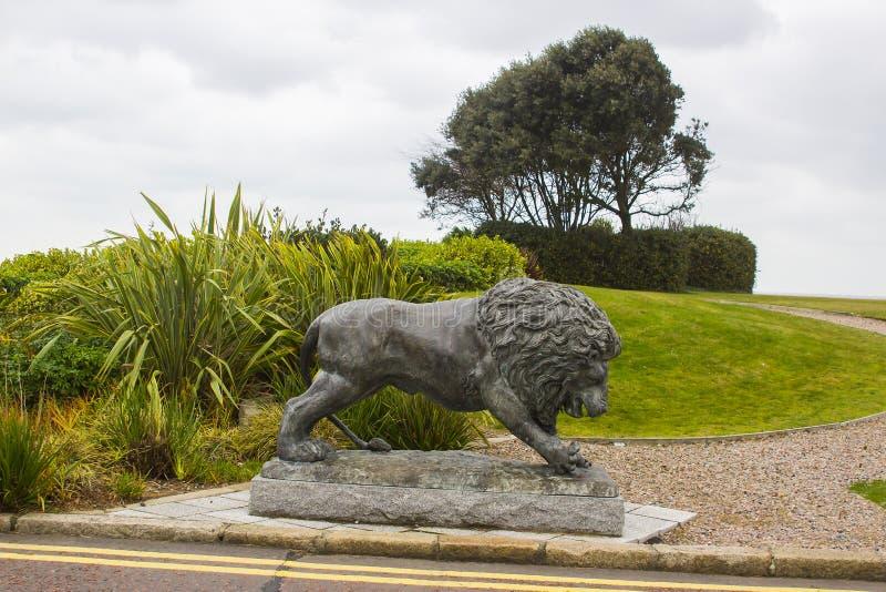 Brązowa lew rzeźba w ziemiach Slieve Donard Hotelt zdjęcie royalty free
